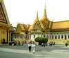 V kráľovskom paláci Kambodža/Kambodza